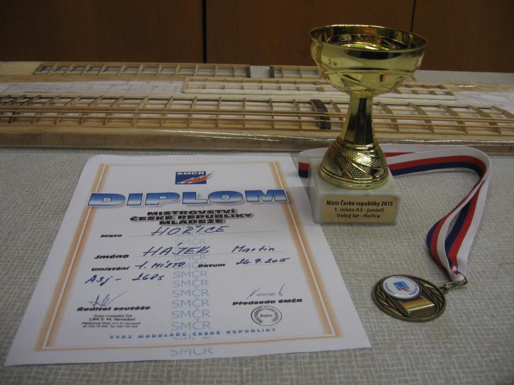 Diplom a pohár